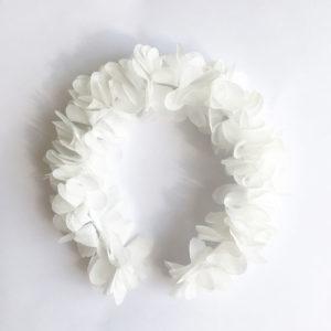 Biała opaska wianek z kwiatuszków
