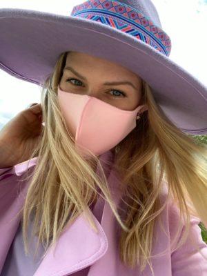 maseczka_pink_kapelusz