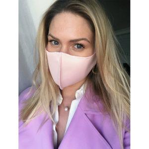 maseczka różowa na twarz ochronna wielokrotnego użytku